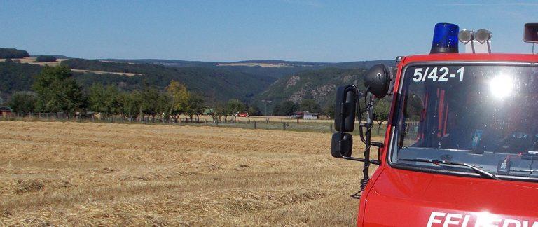 Mähdrescherbrand in Werlau (Alarmstufe B2)