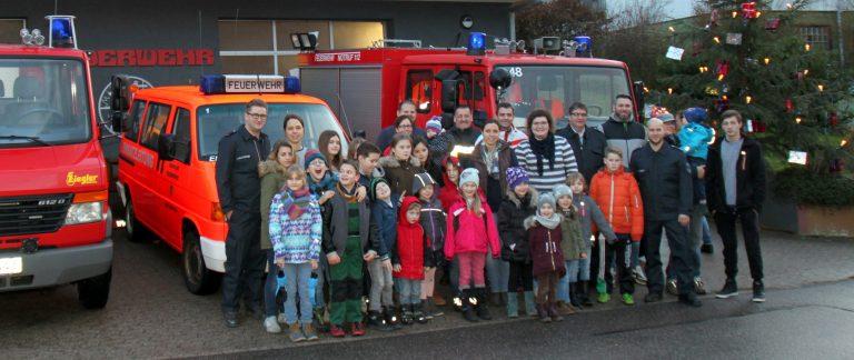 Großer Andrang bei der Weihnachtsbäckerei für Kinder in Holzfeld
