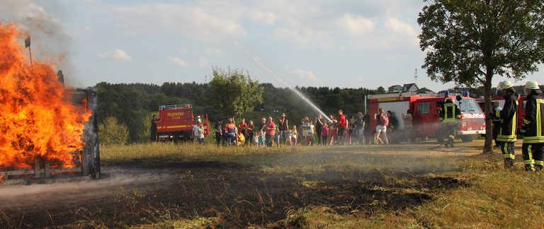 Kinderfeuerwehrtag in Holzfeld