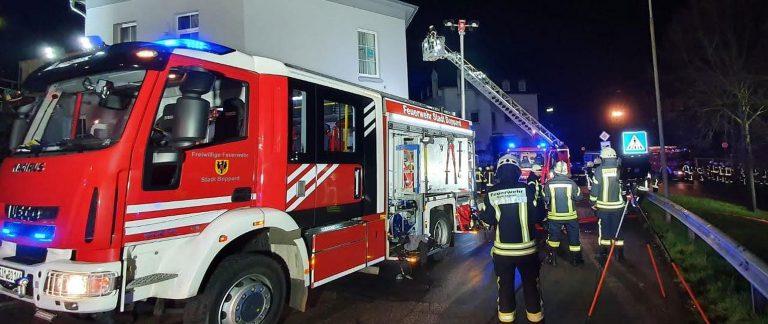Gebäudebrand mit Menschenrettung in Boppard (Alarmstufe B3)