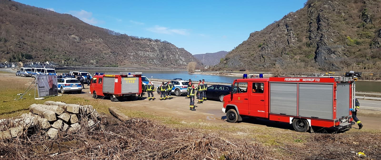 Unterstützung Polizei bei Absperrmaßnahmen (Sprengung im Rheinhang)